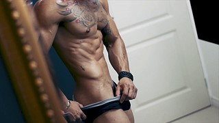 muscled boy webcam chat video
